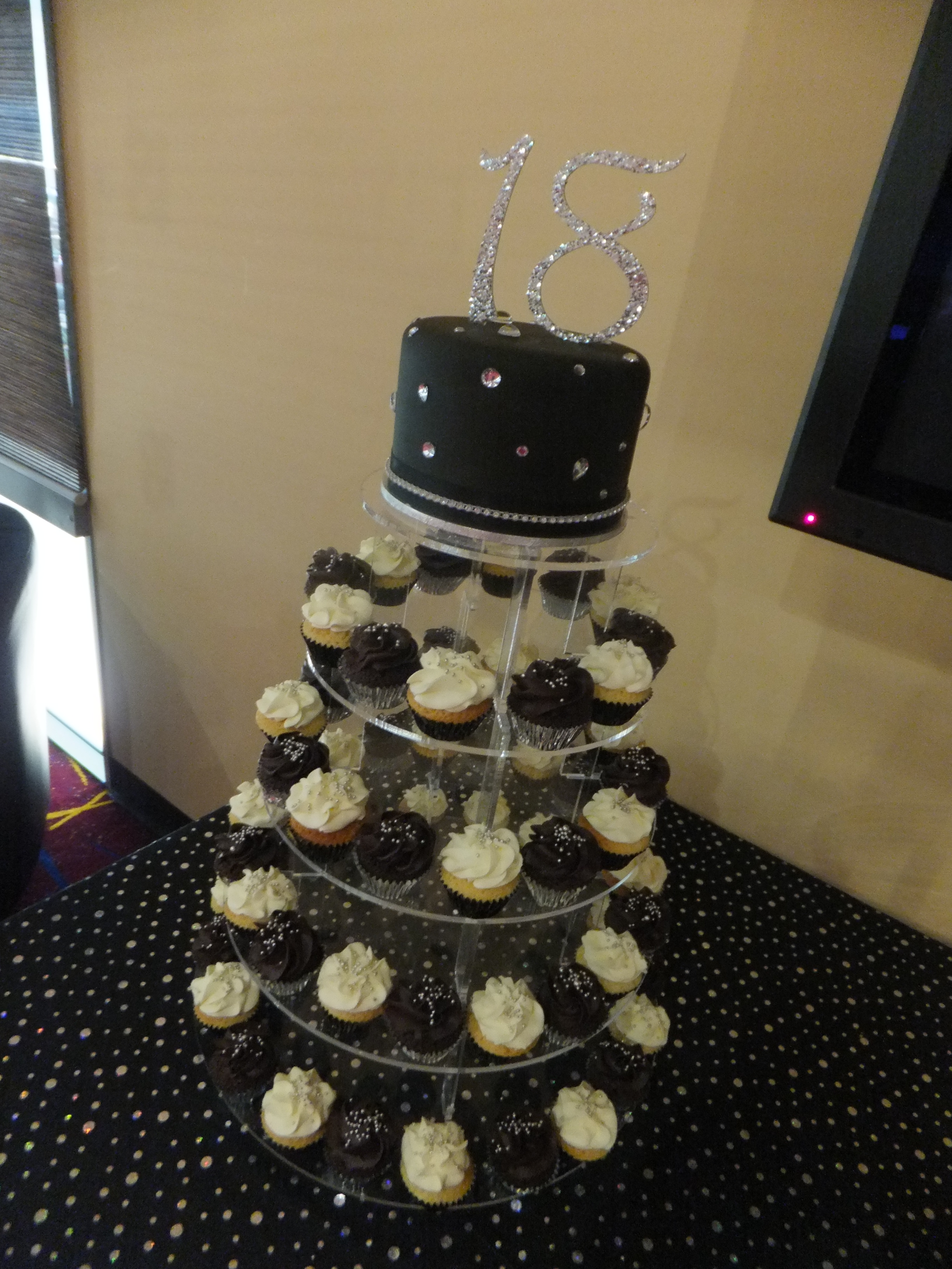 Black and Bling cupcakes