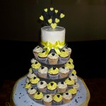Black & yellow cupcakes