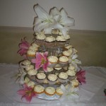 Cupcakes with lilies