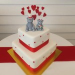 Cute bear toppers with red hearts