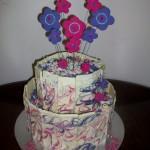 Lindas Surprise Cake