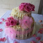 Marbled chards with pink organza bows and pink roses