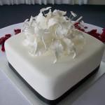 Steph's sugar lily cake