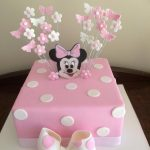 minnie mouse sqaure cake - Copy