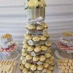 tn_All white cupcakes 1