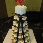 tn_Black & red ball cupcakes