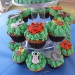 tn_Close up of jungle cupcakes