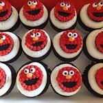 tn_Elmo Cupcakes