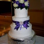 tn_Purple Bling and Bow with fresh roses & lizzies