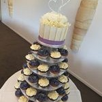 tn_Purple & white cupcakes with bling heart cake topper